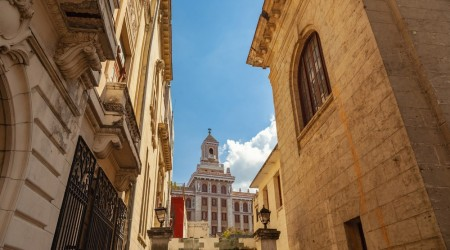 The Architecture of Havana Walk & Drive | from €66 to €113 pp